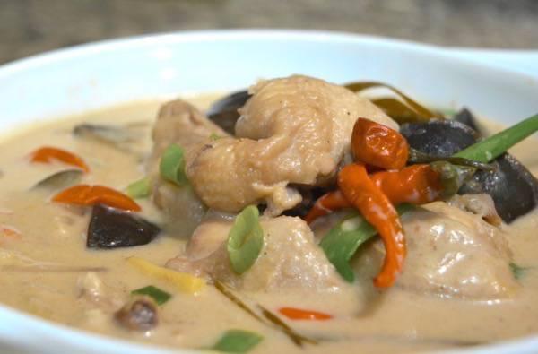 how to cook pininyahang manok filipino style